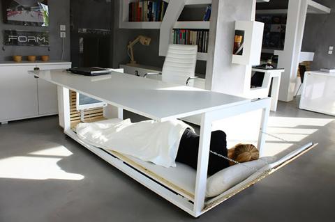 Современные кровати-трансформеры - Кровать под кухонным столом