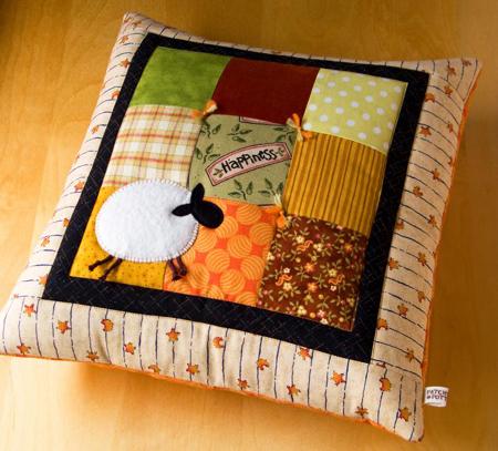 Вариант оформления подушки - пэчворк