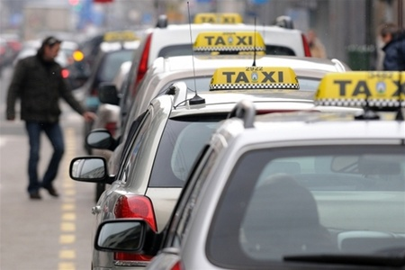 Пробка очередь такси в Нью-Йорке