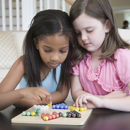 Не нужно волноваться, планируя бесчисленные «свидания» для своих детей