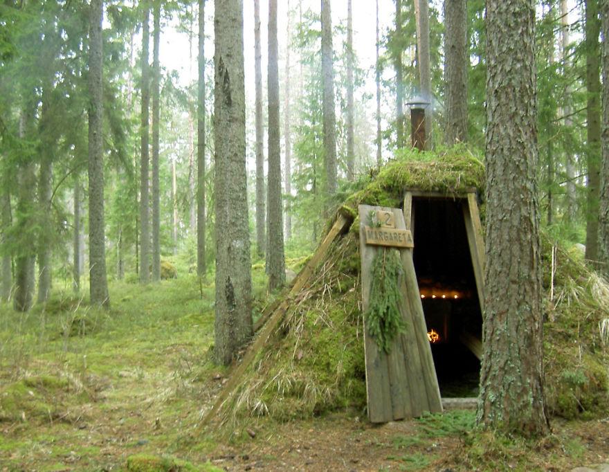 Экологический отель из землянок (Kolarbyn Ecolodge), Швеция