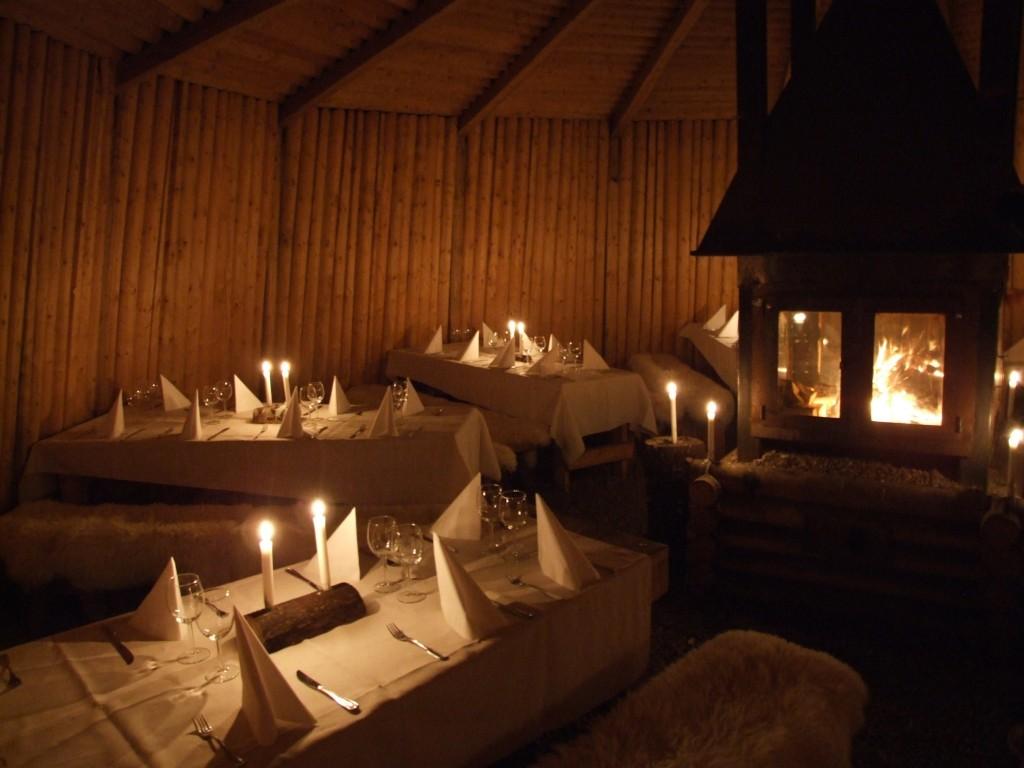 Экологический отель из землянок (Kolarbyn Ecolodge), Швеция - ресторан