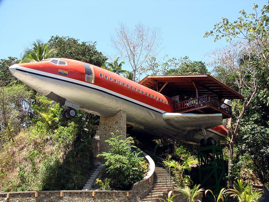 Отель-самолет (Plane Hotel), Коста-Рика