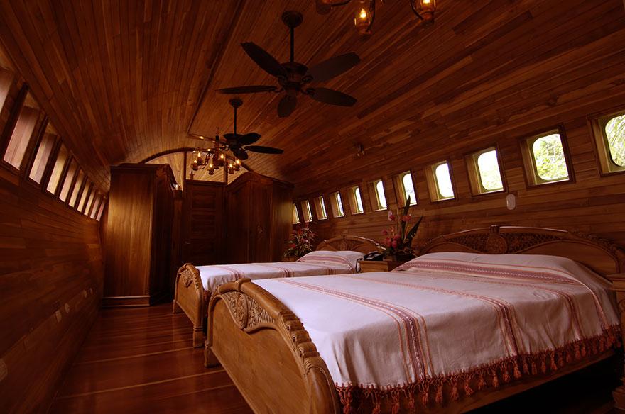 Отель-самолет (Plane Hotel), Коста-Рика - номер изнутри