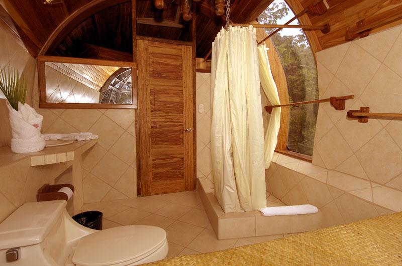 Отель-самолет (Plane Hotel), Коста-Рика - ванная комната