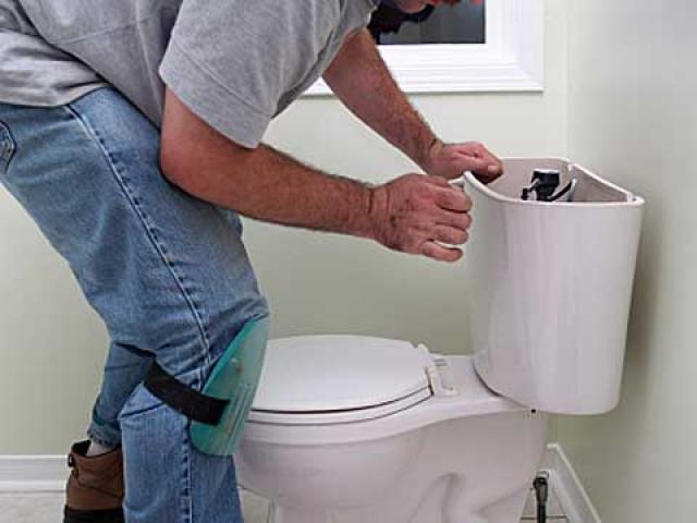 Как починить унитаз
