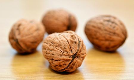 Как правильно кушать грецкие орехи