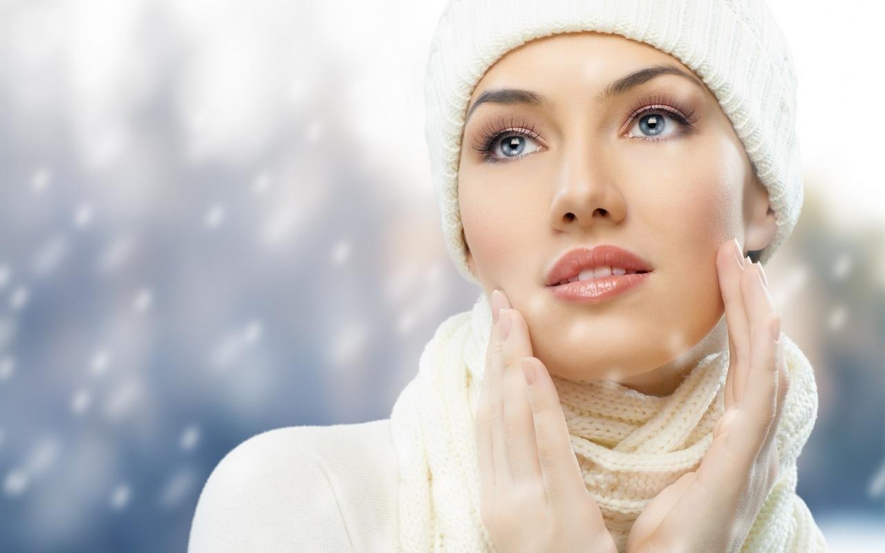 кожа зимой красивая девушка рисунок