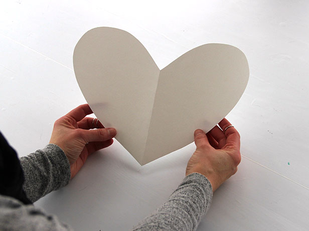 Как сделать пиньяту в форме сердца на День святого Валентина
