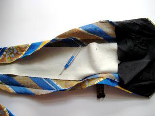 Как сделать чехол для телефона из обычного галстука?
