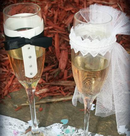 Как легко и красиво украсить бокалы на свадьбу?
