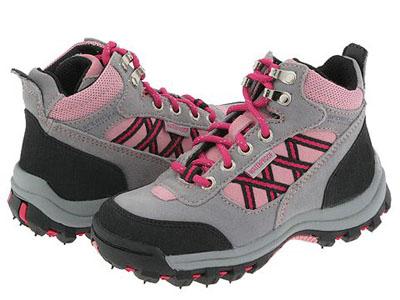 Как выбрать ботинки и валенки для ребенка