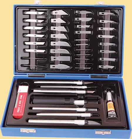 нож для моделирования (или набор с различными насадками)