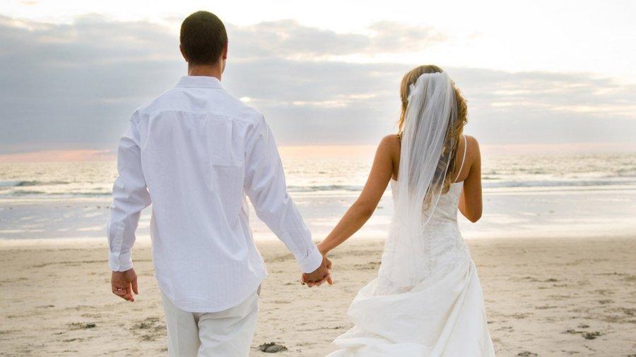 Как решить для себя: брать фамилию мужа или нет?