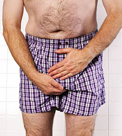 Как мужчинам оказать первую медицинскую помощью при травмах в паховой зоне?