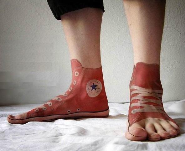 3D (объемные) и фото-татуировки: кеды на ногах