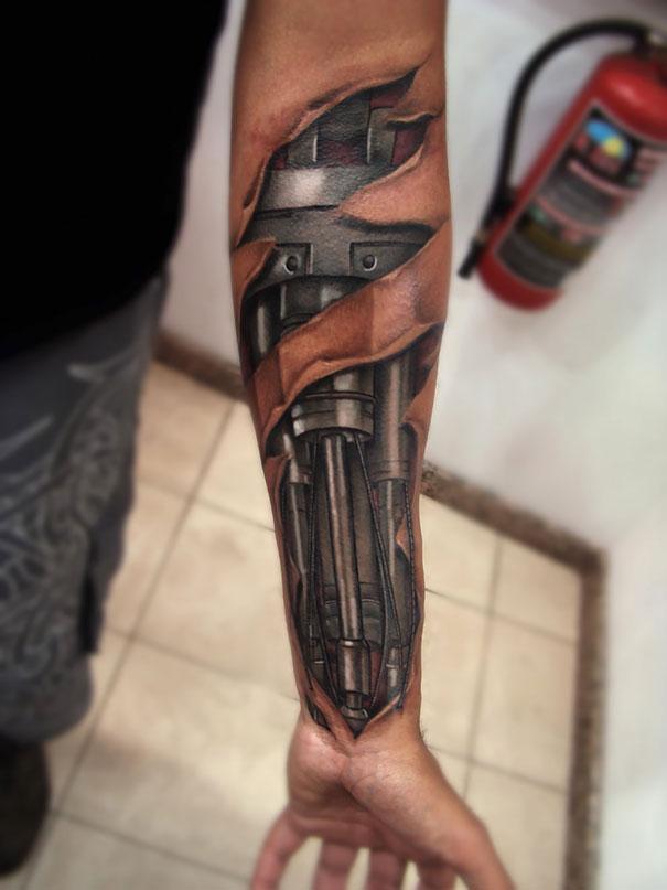 3D (объемные) и фото-татуировки: рука терминатора