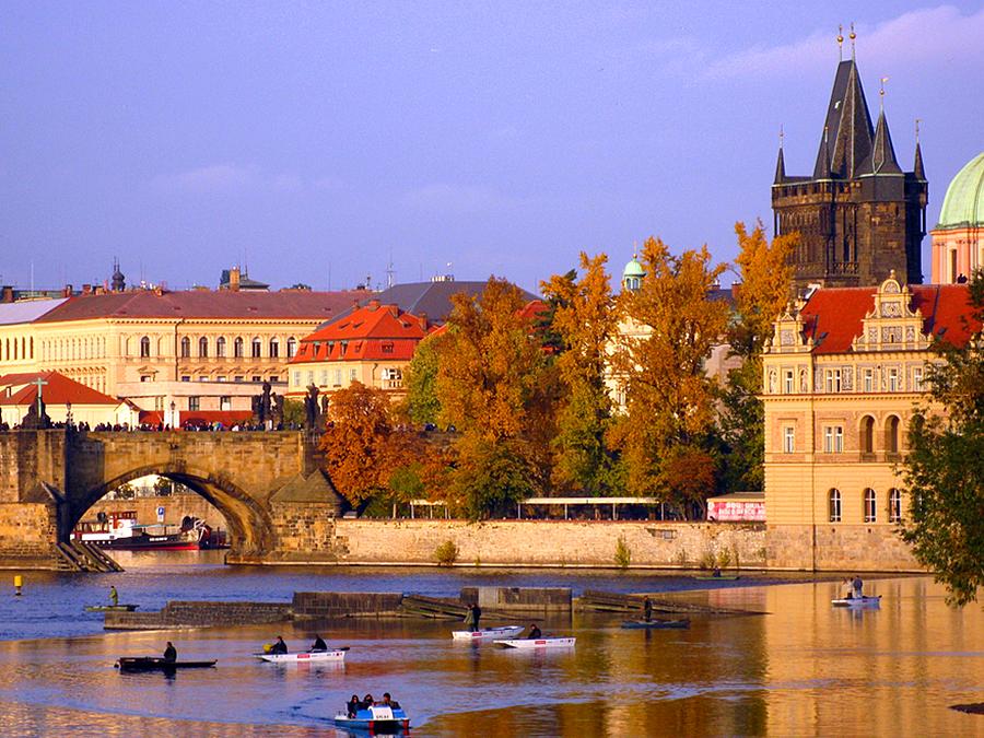 Как и в какой стране интересно отдохнуть осенью?