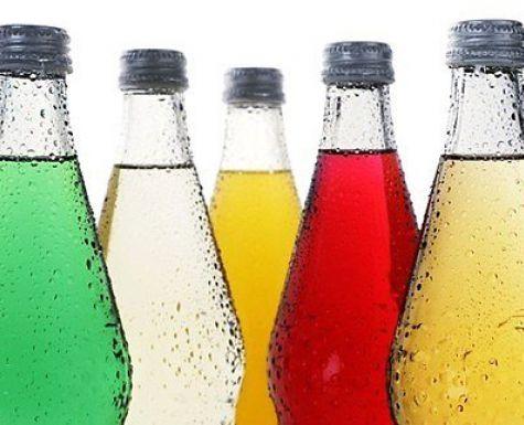 бутылки со сладкой газированной водой