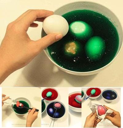 Как сделать разводы на пасхальныx яйцах
