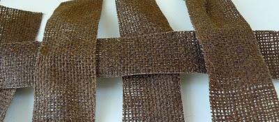 Как сделать легкую плетеную пасхальную корзинку из ткани