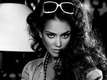 девушка жгучая красавица актриса Джессика Альба