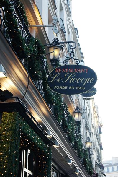 Как незабываемо отдохнуть в Париже