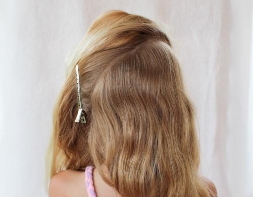 Как сделать нарядную прическу для девочки на 1 сентября