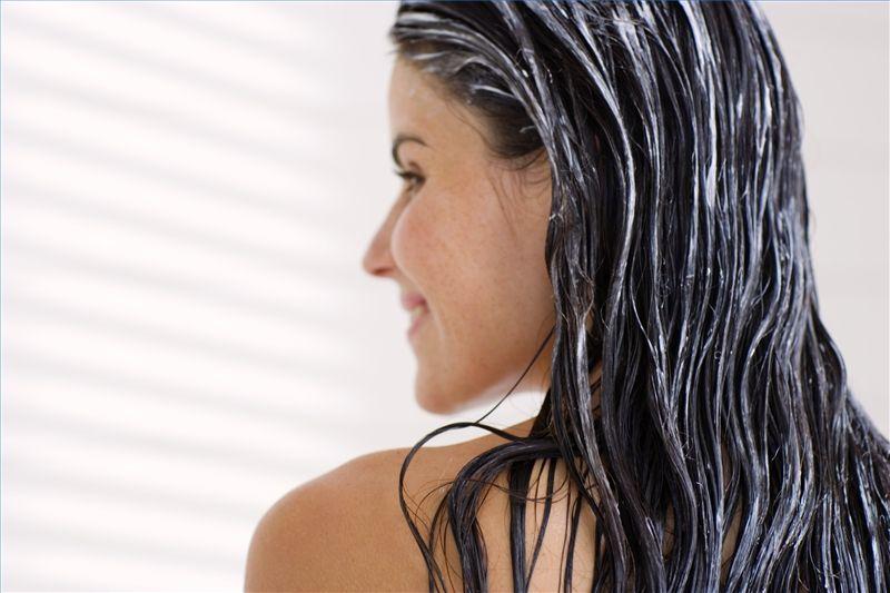 Как полезные привычки помогут сохранить здоровье волос?