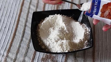 Как сделать сладкий букет из капкейков с кремом?