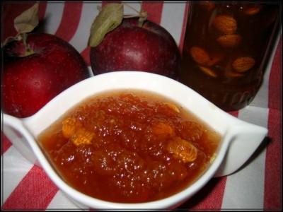 натюрморт яблочное варенье в декоративной пиале, яблоки, варенье из миндаля