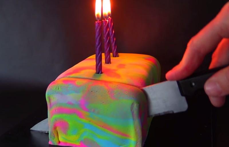 Как приготовить радужный кекс с сюрпризом