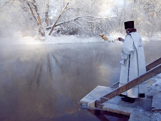 Как правильно использовать Крещенскую воду?