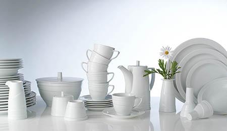 Смахните пыль с вашего лучшего белого или серебряного фарфора