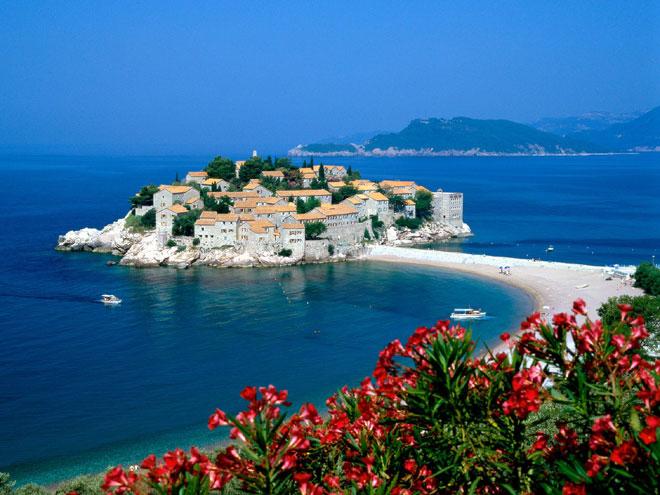 Как найти горящие туры в Черногорию: качественный отдых по умеренной цене