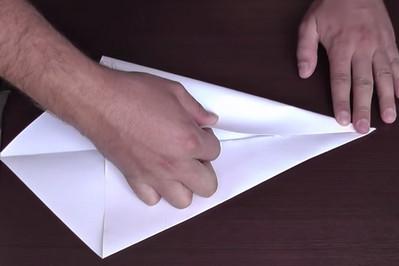 Как сделать воздушный змей из бумаги-3