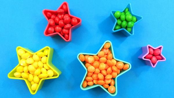 Как помочь ребенку легко выучить цвета в игровой форме