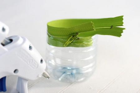 Как быстро сделать пенал из пластиковой бутылки?