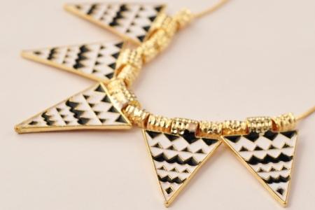 модное эническое африканское ожерелье для лета 2013