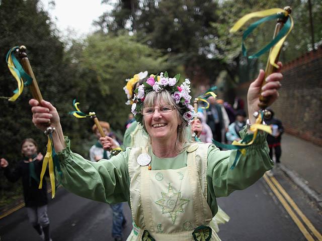 Как проходит майский фестиваль трубочистов в Англии (Рочестер)