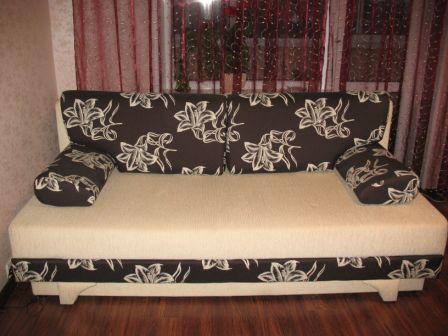 Как правильно обновить обивку на диван?