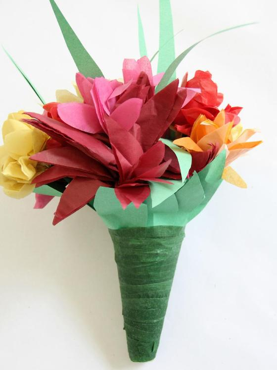 Как сделать букет цветов из бумаги