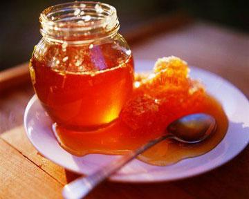 Как использовать мед в косметических целях?