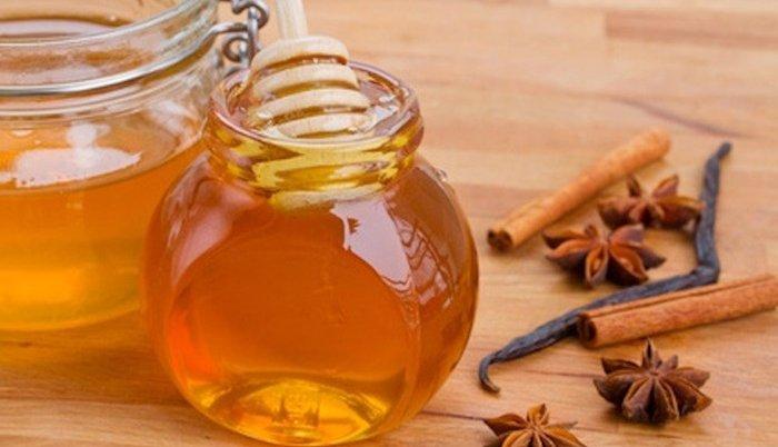 Как мед и корица - природные ингредиенты для сияющей кожи лица