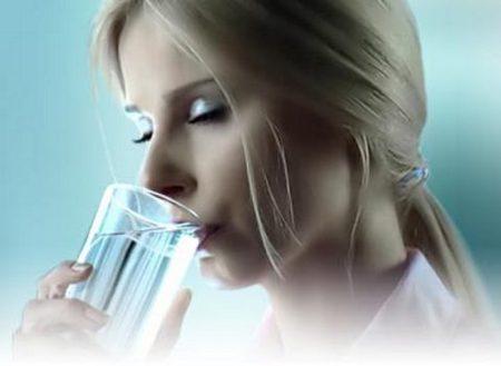 Как хлорированная вода влияет на волосы, глаза и кожу человека