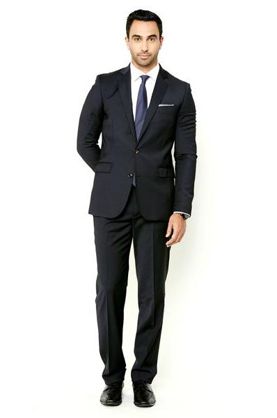 мужчина в элегантном костюме как выбрать модный костюм