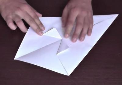 Как сделать воздушный змей из бумаги-4