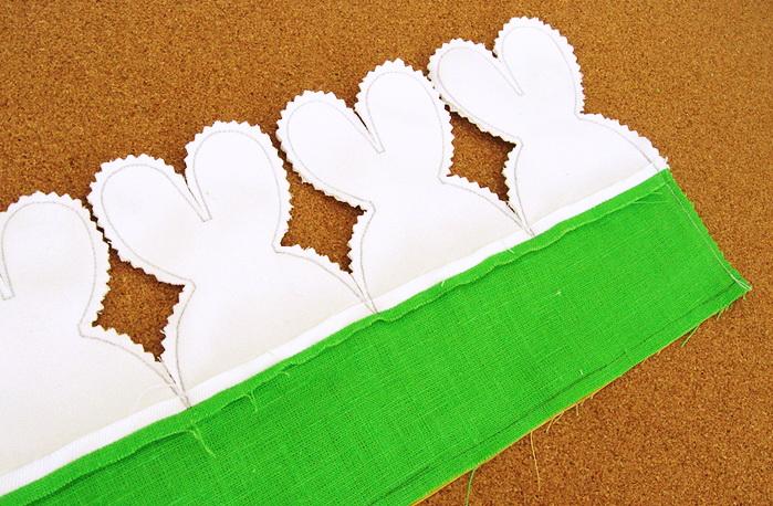 Как сшить оригинальную пасхальную корзину с зайцами из ткани