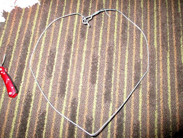Как легко сделать сердце из помпонов?