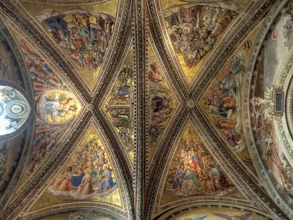 Орвието, город Италия Кафедральный собор Il Duomo di Orvieto фрески на потолке